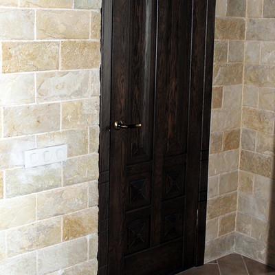 Дереаянная дверь из дуба